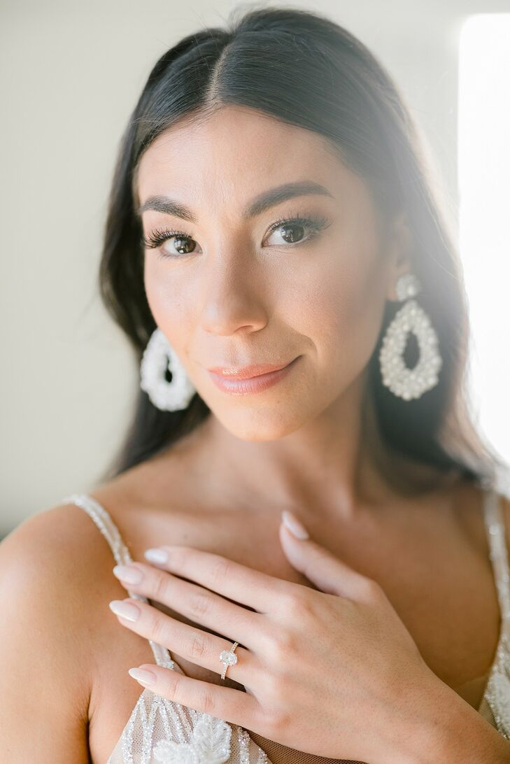 Bride with Statement Earrings and Natural Makeup