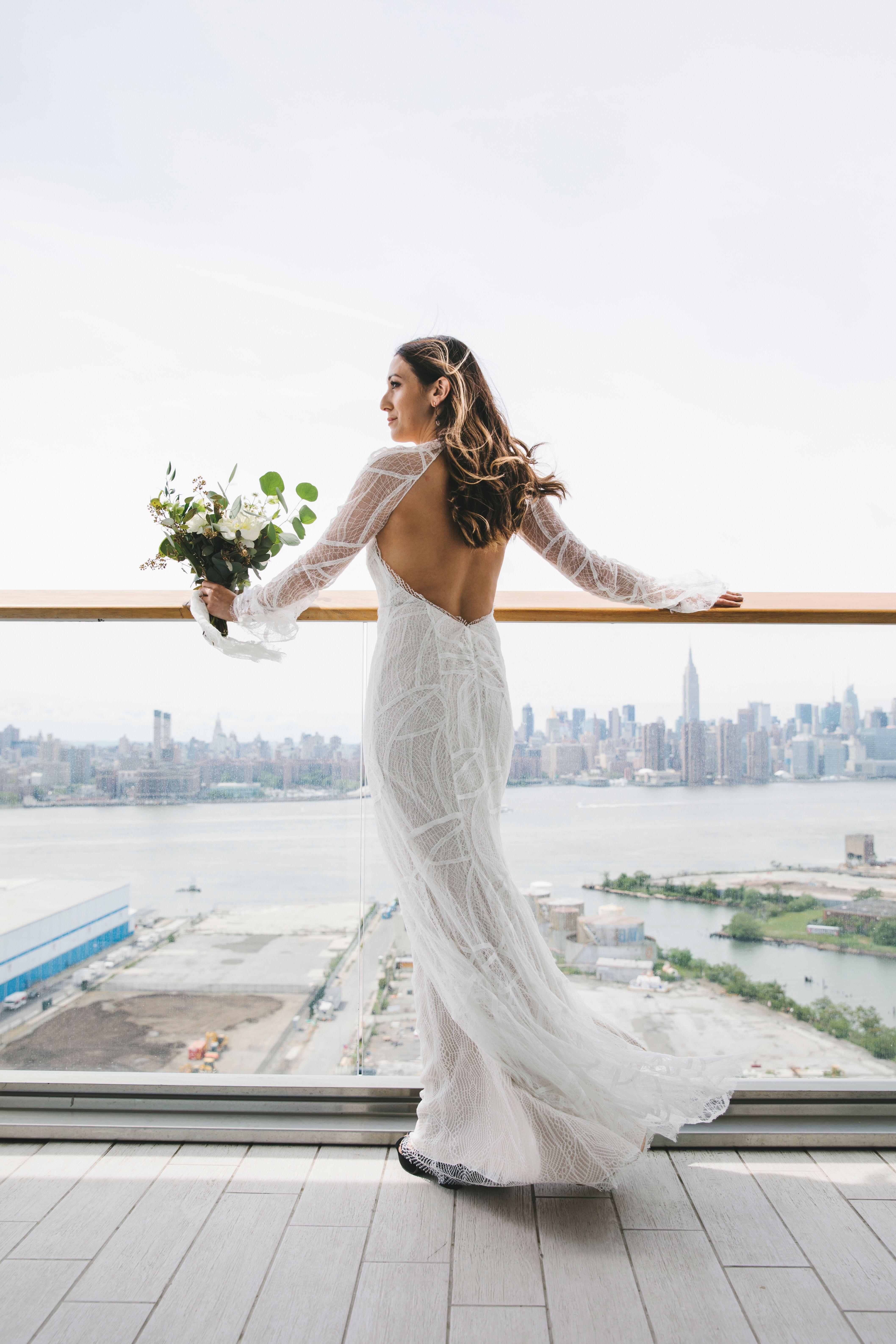 Vera Wang Sample Wedding Gown