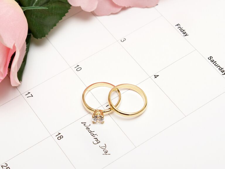 Calendar with ring on the date