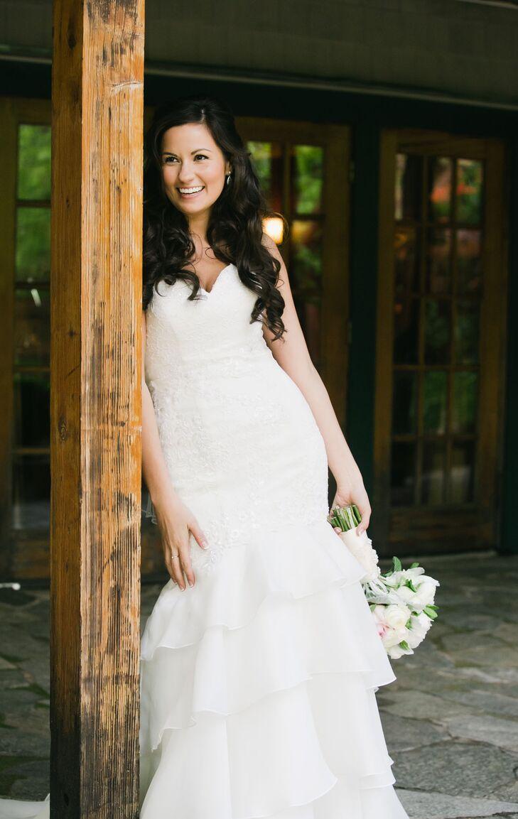 Sweetheart Neckline Ivory Lace Wedding Dress