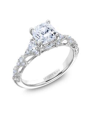 Platinum Jewelry Elegant Round Cut Engagement Ring