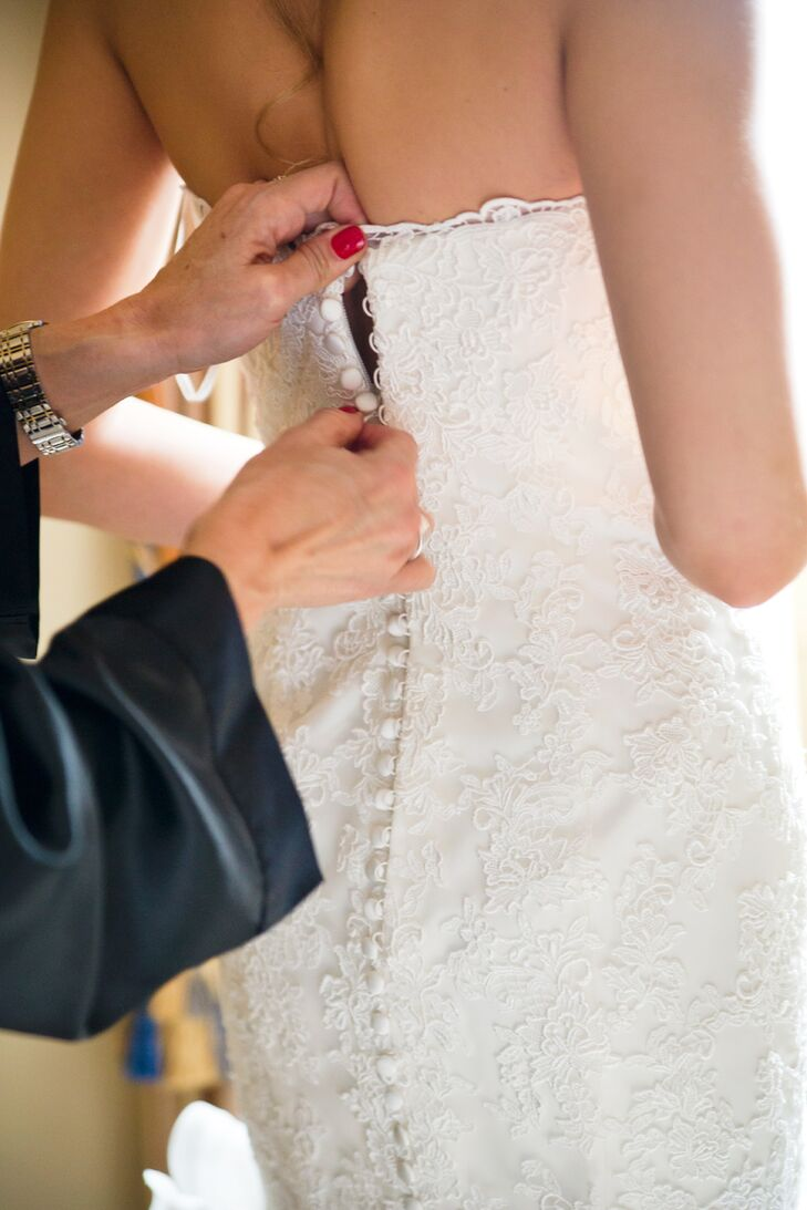 Back of Laced Wedding Dress