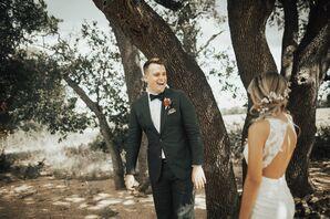 Dark Green Groom's Suit for a Bohemian Wedding