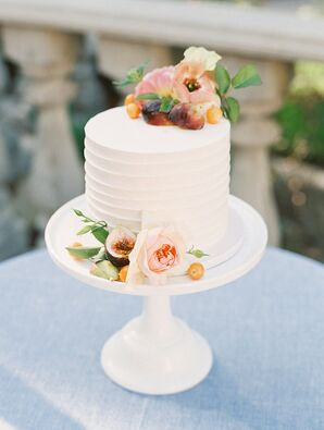 Simple Single-Tier Wedding Cake with Fresh Flowers