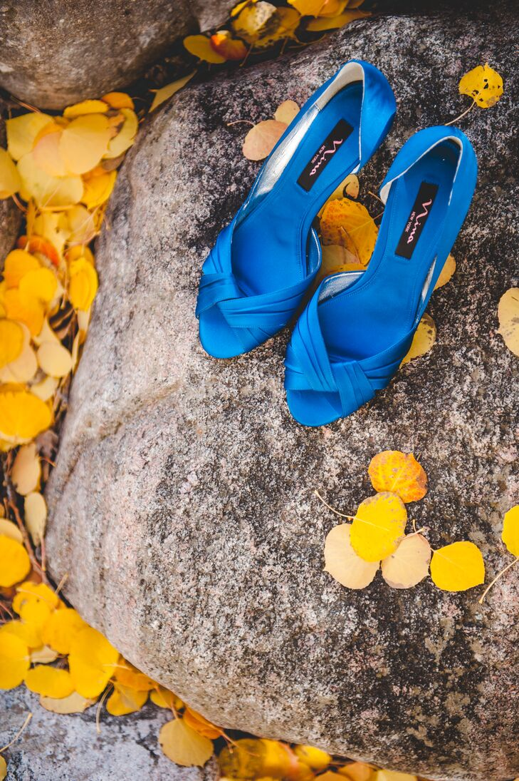 Kimberly wore peep-toe royal blue heels that she got from Zappos.