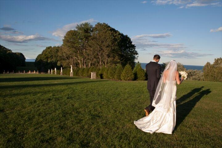 Wedding Invitations Castle Hill: The Crane Estate