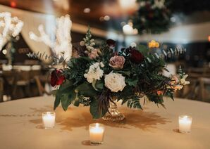 Winter-Inspired Centerpiece of Roses and Greenery