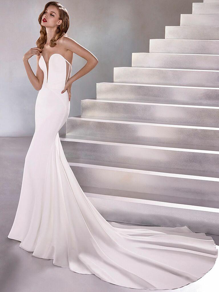 Atelier Provonias wedding dress plunge strapless trumpet dress