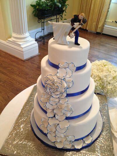 Blooms and Batter  Designer Cakes