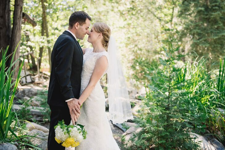 Although Erin Rhodes (25 and an elementary school teacher) and Kyle Glaser (26 and sportswriter) met online, their lush Southern California summer wed