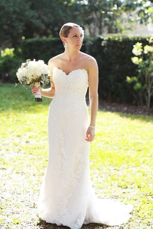 Vintage Inspired Lace Sweetheart Neckline Wedding Dress