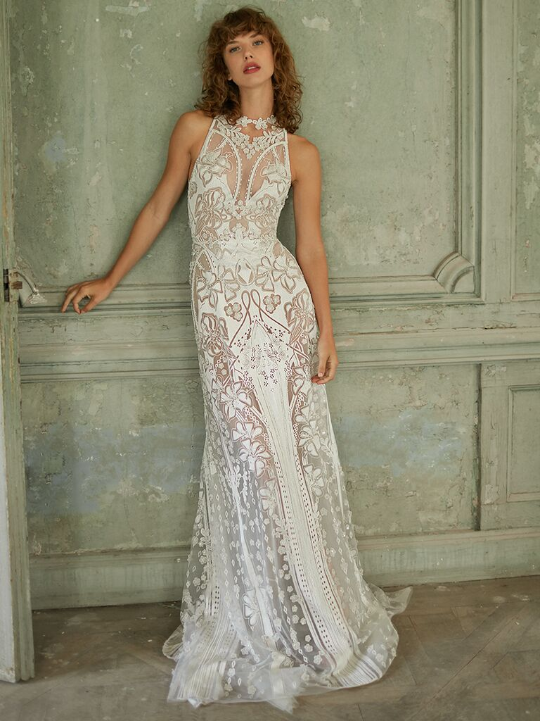 Fitted high-neck lace dress with floral embroidery