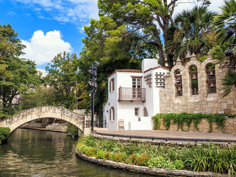 San Antonio house on river and greenery