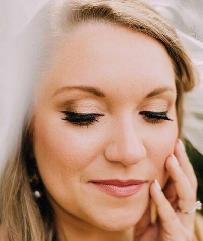 Up'Sa Daisy Hair Studio and Eye Do Makeup Artistry