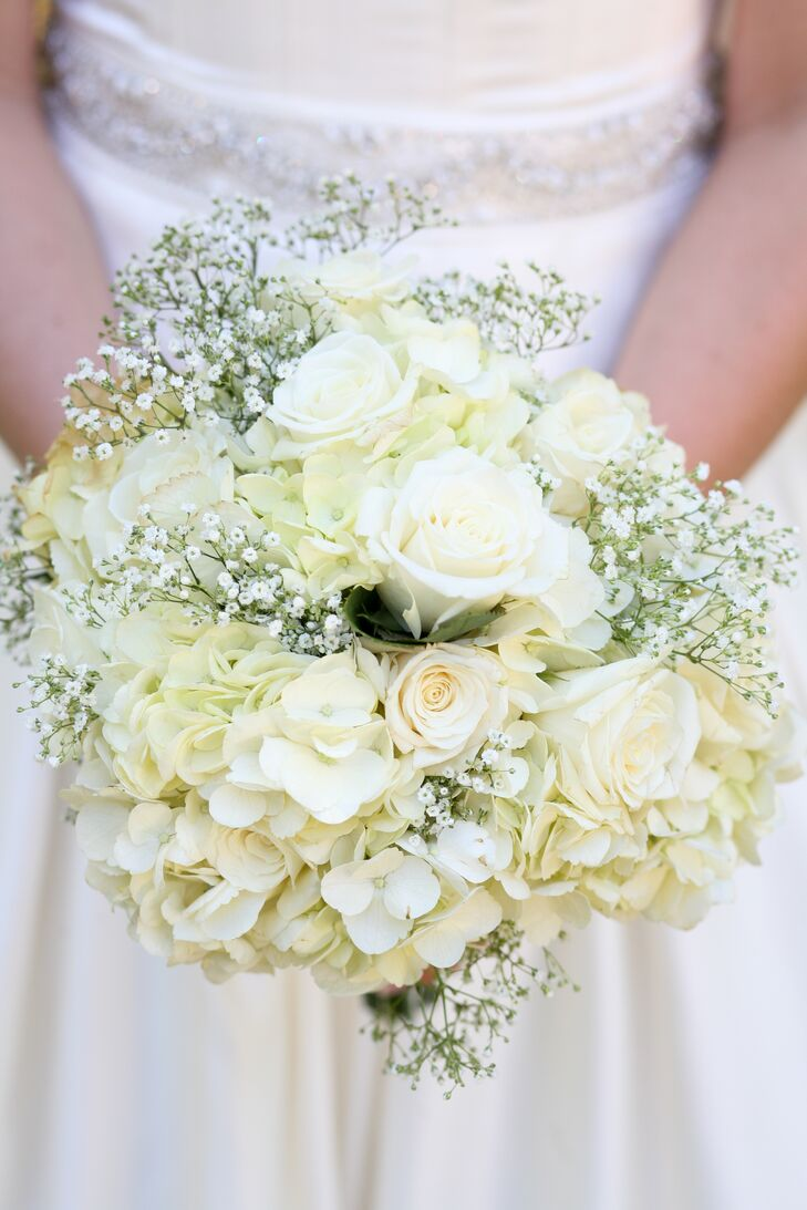 Jacquelyne carried a white bouquet of roses, hydrangeas and baby's breath.
