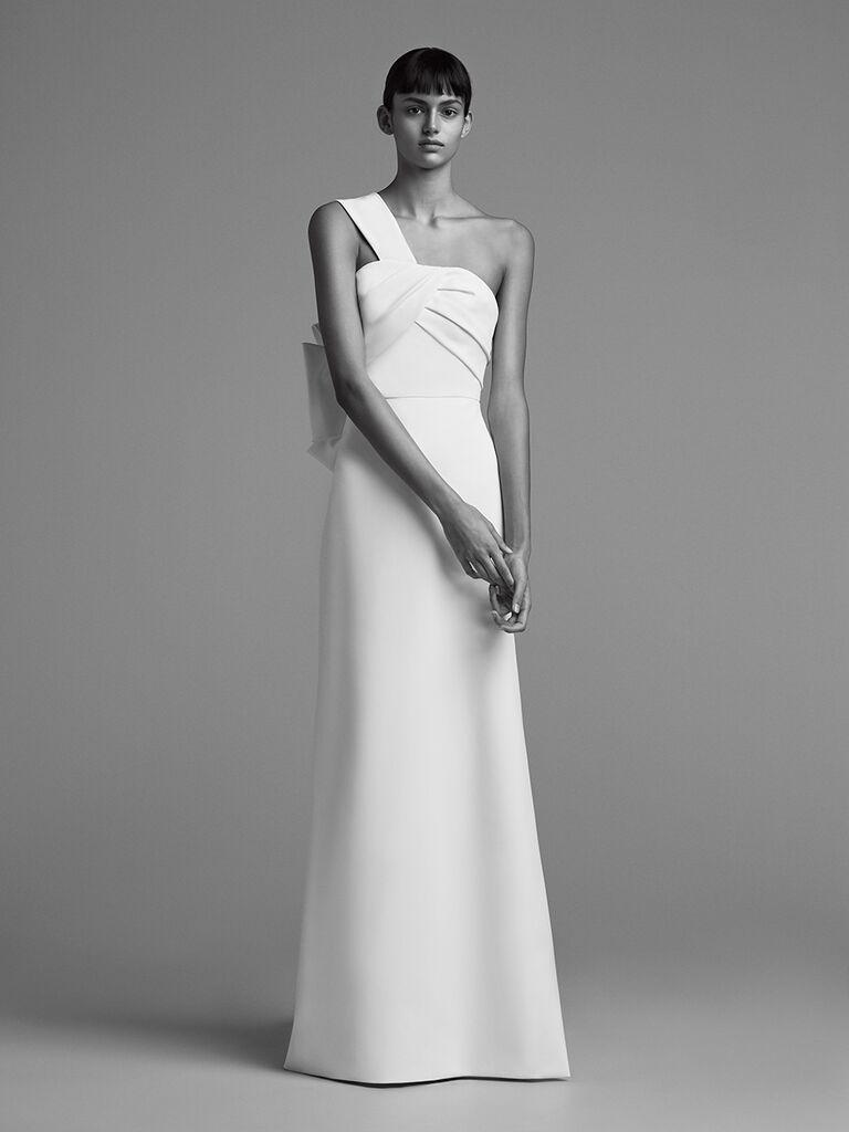 Viktor U0026 Rolf Fall/Winter 2018 One Shoulder Simple Column Wedding Dress  With Bow