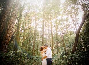 Adventure-seekersCorrine Salge (26 and a fashion stylist) andJustin Sorensen (27 and a web designer) chose a wedding location that best suited their