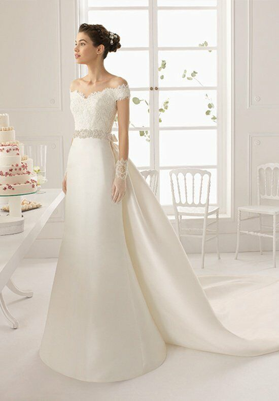 Aire barcelona argelia wedding dress the knot for Wedding registry the knot