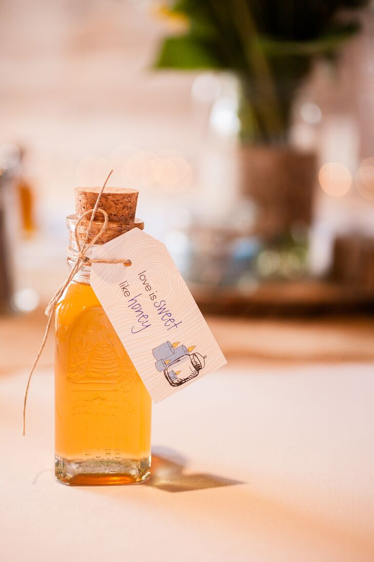 """""""Josh's great-uncle provided honey for our favors,"""" Justine says. """"It was a little bit of North Carolina, and the honey is some of the sweetest I have ever tasted."""""""