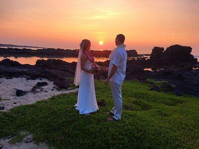 Simple Kona Beach Weddings