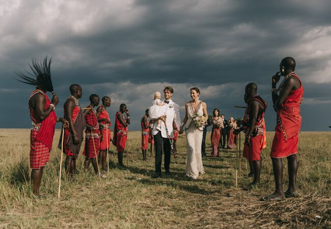 couple-greeted-masai-wedding-ceremony