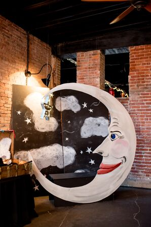 DIY Hanging-Moon Photo Booth