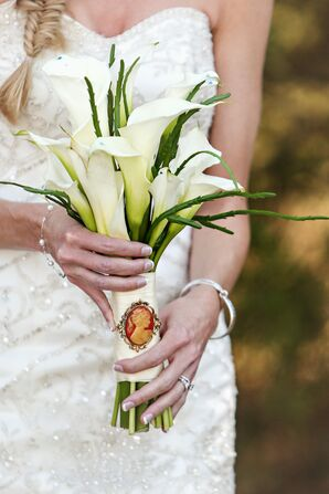Calla Lily Bouquet and Ivory Wrap with Cameo