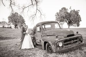 Vintage Pickup Truck Wedding Photo
