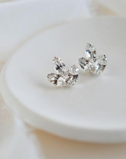 Dareth Colburn Tatum Floral Stud Earrings (JE-4190) Wedding Earrings photo