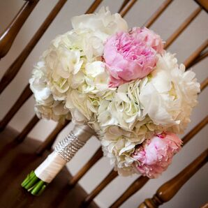 Blush and Ivory Peony Bouquet for Classic Austin, Texas Wedding