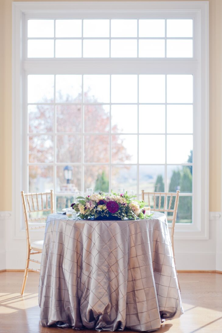 Textured Silver Linens on the Sweetheart Table