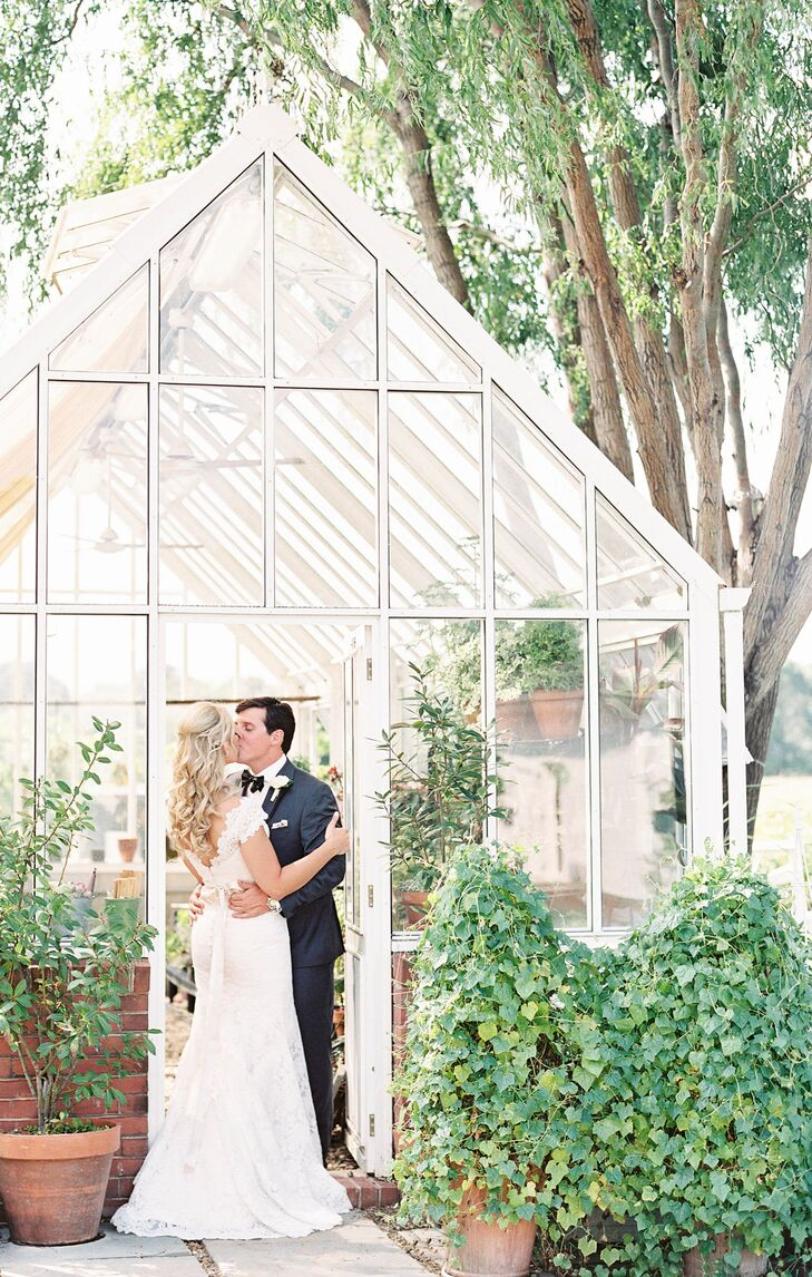 Drawing inspiration from the inn's lush, manicured grounds, Kathryn worked with her planner to incorporate custom botanical and garden designs in the ceremony and reception decor.