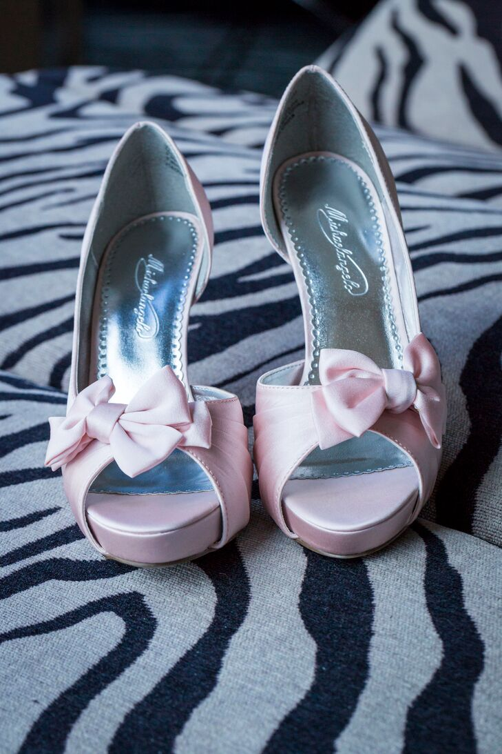 Light Pink Bridal Pumps with Bows