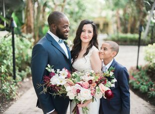When they hired Jet Set Wed to design their lunchtime wedding, Aly Vinas (40 and an administrative assistant) and Matt Audath (34 and in airport opera