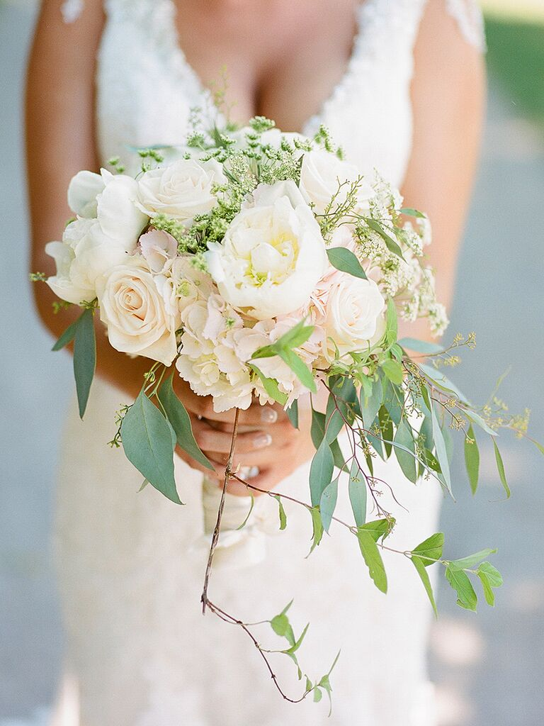 20 romantic white wedding bouquet ideas whimsical white bouquet with roses peonies and queen annes lace izmirmasajfo