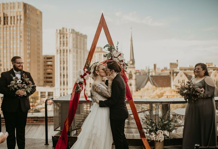 Instead of her usual position behind the camera, Nicole Gafa (25 and a wedding photographer) was the star subject alongside her spouse, Kara Keinz (22