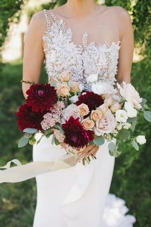 Classic Bouquet of Roses and Dahlias