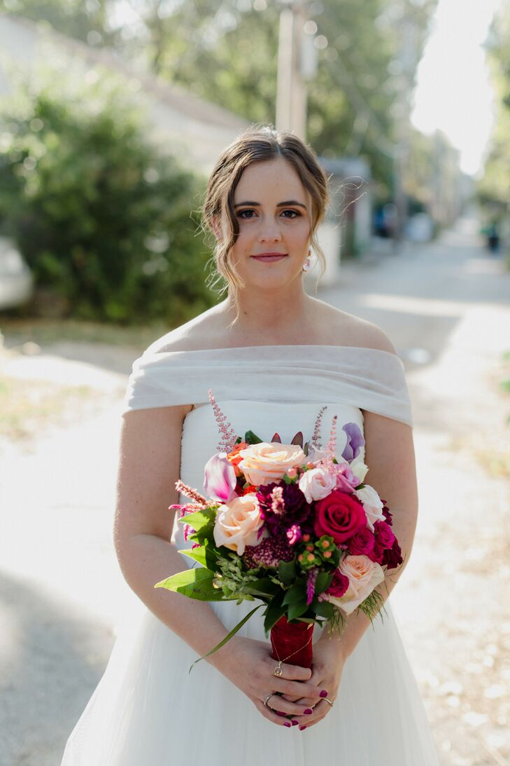 Bride with Colorful Bouquet at Wild Carrot in St. Louis, Missouri