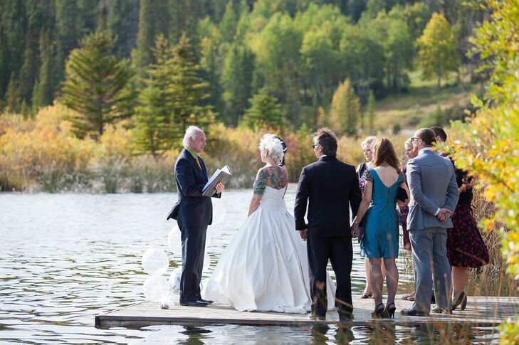 The ceremony took place on a dock of Vermillion Lakes, overlooking the gorgeous mountains of Banff, Alberta.