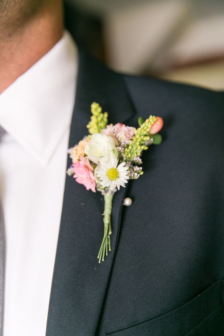 Rustic Daisy and Wildflower Boutonniere