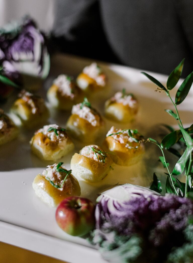 The Knot Dream Wedding 2017 passed appetizers