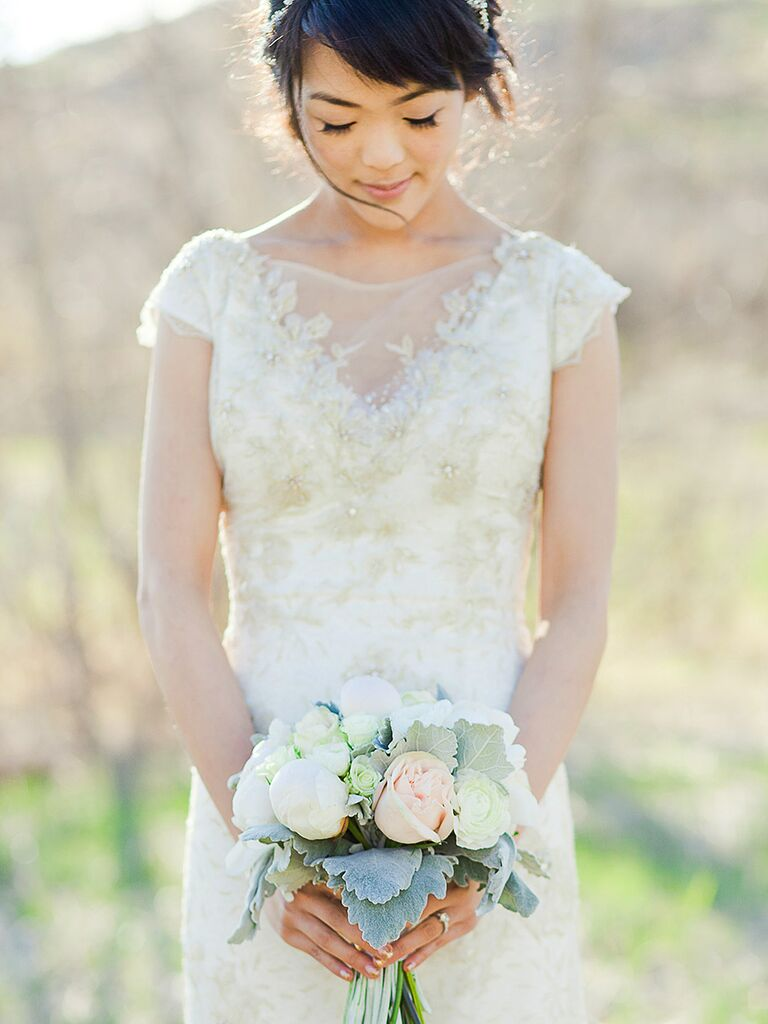 14 Gorgeous Lace Wedding Dresses With Sleeves
