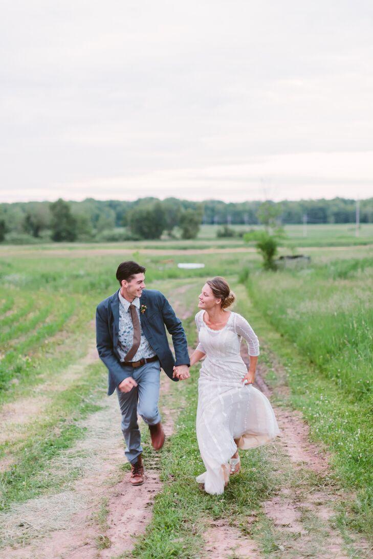 Quarter-Sleeve Ivory Wedding Dress