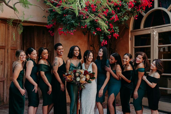 Bridesmaids in Dark Emerald Dresses at Scottsdale, Arizona, Wedding