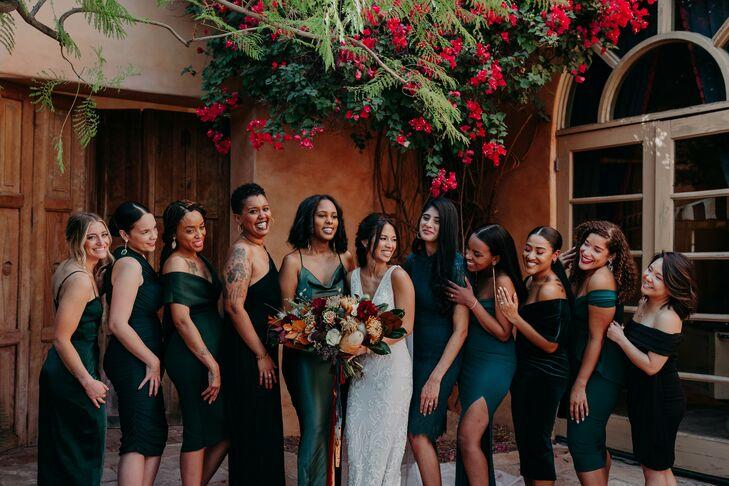 Bridesmaids in Dark Emerald Dresses at Scottsdale, Arizona, Wedding