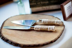 Burlap and Lace Cake-Serving Set