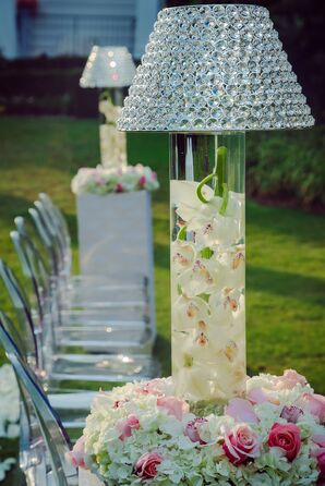 Glamorous Round Outdoor Ceremony Decor
