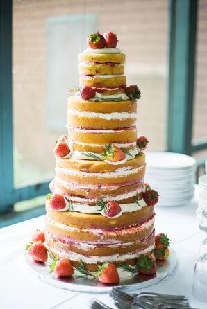 Naked Cake With Vanilla Buttercream and Strawberries