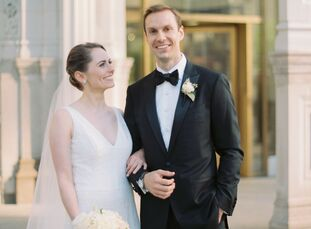 Seattle-based Sara Roedner (30 and a corporate strategy manager) and Nick O'Gorman (29 and a marketing manager) traveled to the Windy City, their form