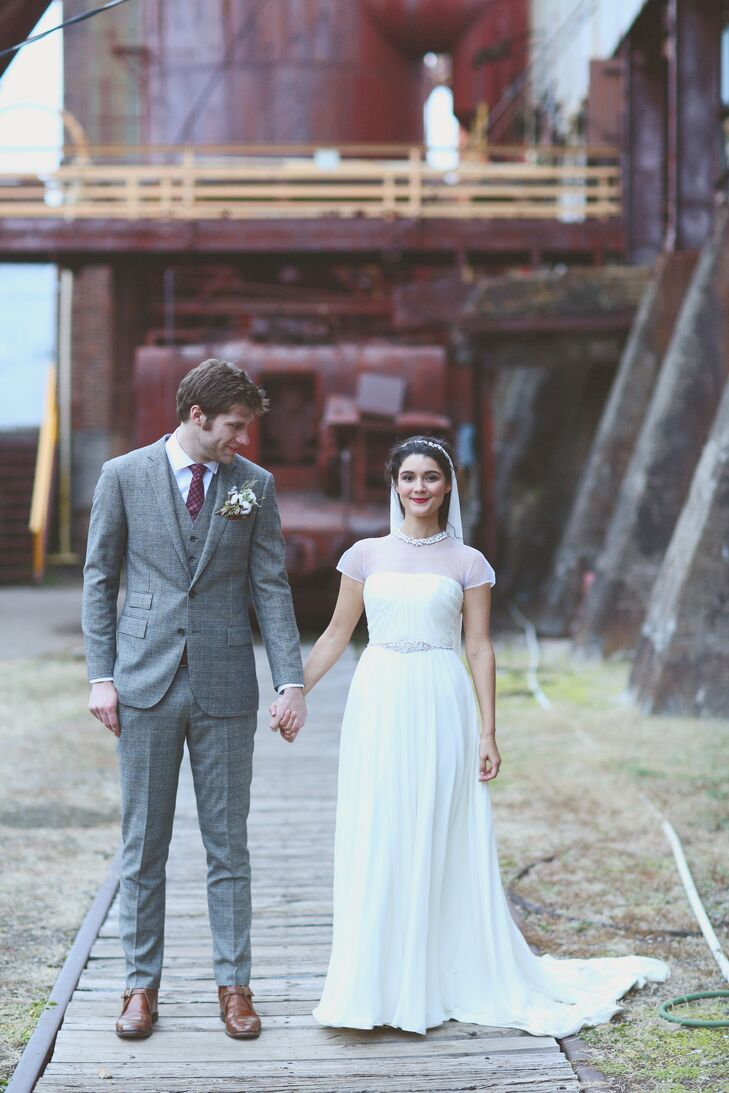 Brandy Bajalia (26 and an artist) and Peter Corn (25 and a musician) love all things vintage. And they knew two things from the start for their weddin